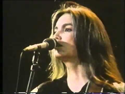 Emmylou Harris And The Hot Band - Two More Bottles Of Wine (1983 Live Music Video Performance)