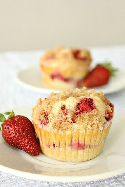 STRAWBERRY CREAM CHEESE MUFFINS {flour, sugar (try brown), eggs, coconut oil, whole milk, vanilla, strawberries, cream cheese, powdered sugar}