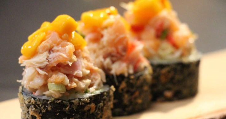 Découvrez cette recette de Maki frit au guacamole, coriandre et fruits de mer pour 4 personnes, vous adorerez!