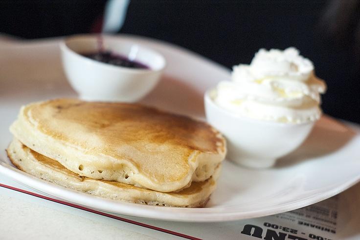 http://breakfastclub.cz/posnidejte-u-jamese-deana-a-uzijte-si-atmosferu-padesatych-let-v-usa/