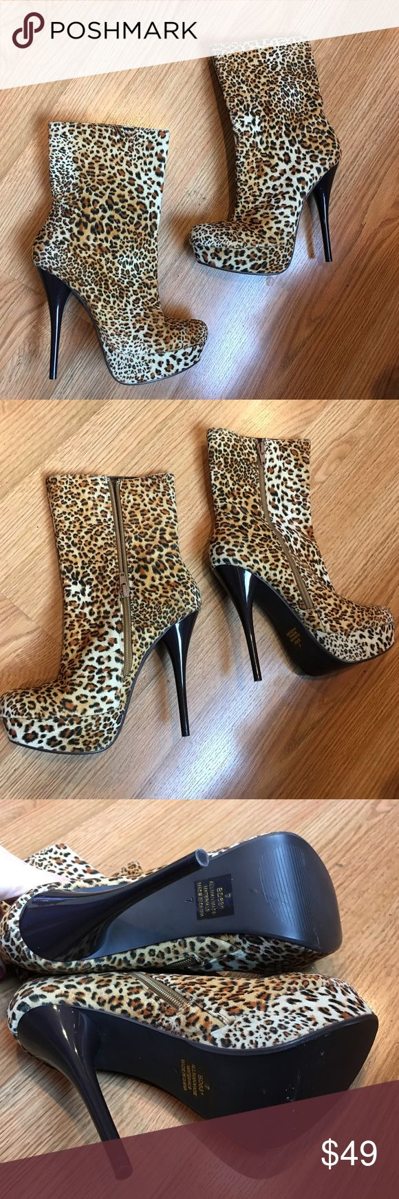 Gorgeous platform leopard heel boots 🐯 New, never before worn platform leopard heeled boots! 😍 absolutely gorgeous style Shoes Ankle Boots & Booties