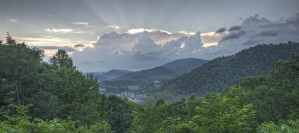 Don't Miss Out on These 3 Great Gatlinburg Hotel Coupons