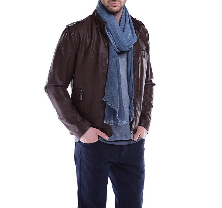 Kurtka męska WITTCHEN wykonana z najwyższej jakości materiałów. Prosty fason kurtki wzbogacają detale, które nadają jej wyrazisty charakter.