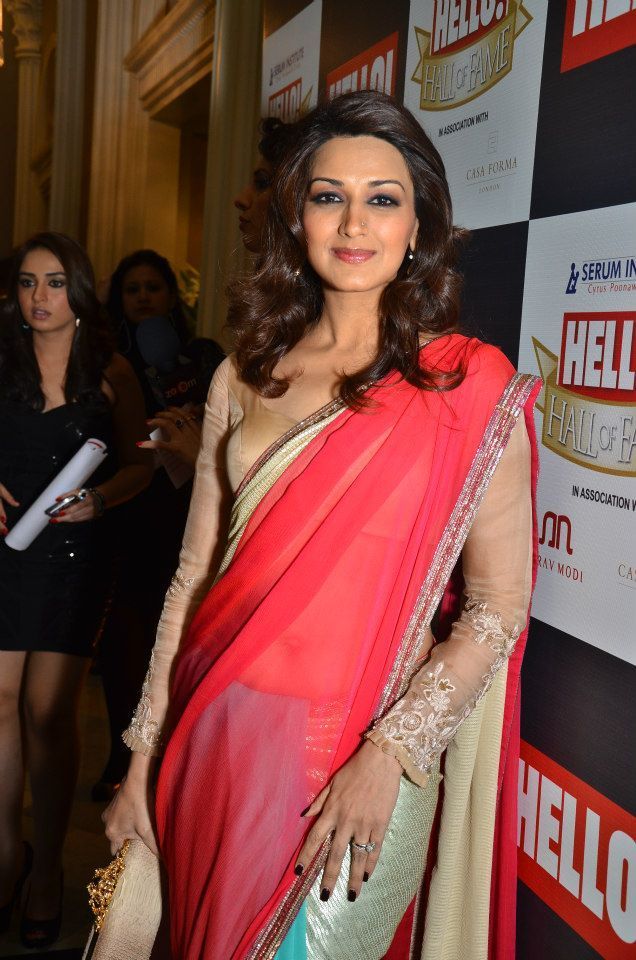 Sonali Bendre In A Marvellous Manish Malhotra #Saree At The Hello Hall Of Fame Awards 2012.