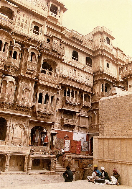 Jaisalmer havalli, via Flickr.