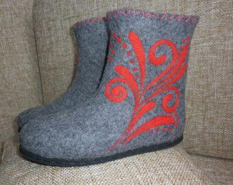 White felt winter boots Woolen fairy shoes for by FeltZeppelin