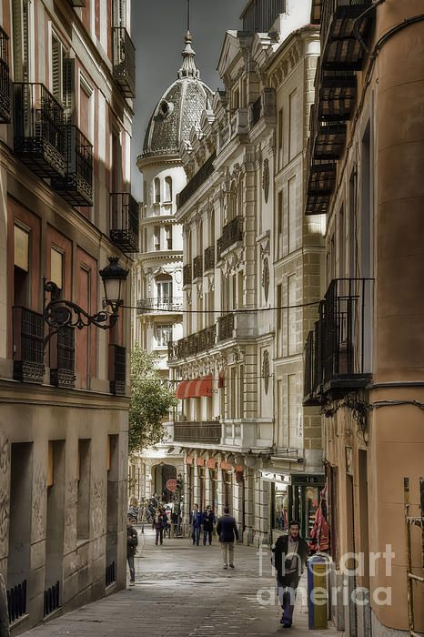 Madrid Streets Photograph by Joan Carroll   #faabest