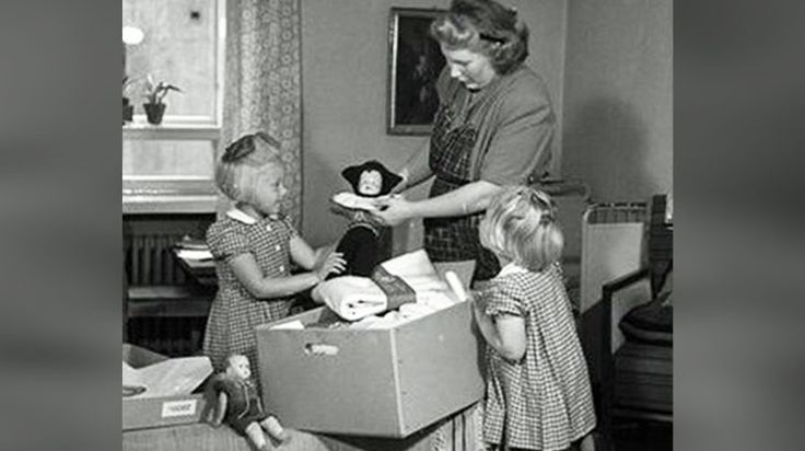 Finnish Babies Have Slept In Cardboard Boxes Since 1938, Now Scotland Is Following Suit. http://www.padmaaccessories.com/finnish-babies-have-slept-in-cardboard-boxes-since-1938-now-scotland-is-following-suit/