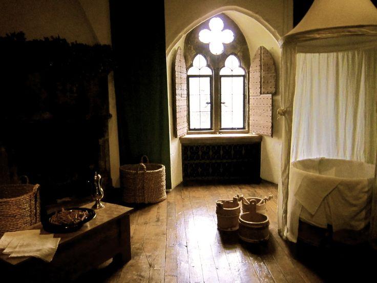 Queen Catherine's (Henry's 1st wife) royal bathroom! Leeds Castle #sca