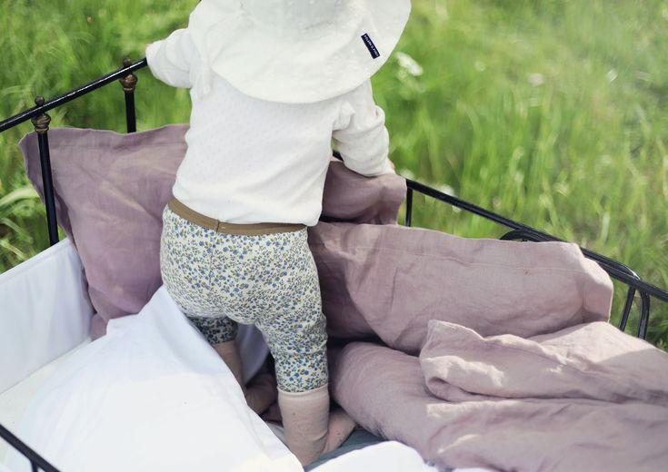 NG baby linnelakan barn bebis ekologiska sängkläder påslakanset järnsäng vintage täcke kudde GOTS emmasvintage