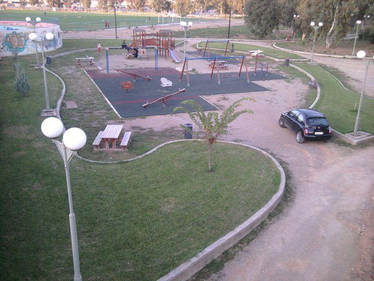 """παιδική χαρά στο """"πάρκο του λαού"""""""
