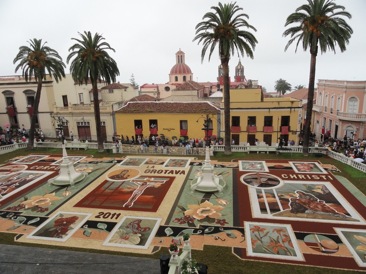 16 best images about alfombras de flores on pinterest antigua guatemala in august and carpets - Alfombras portugal ...
