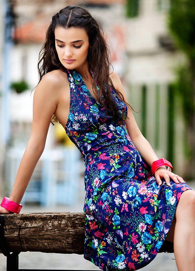 Merve Büyüksaraç Elbise Markafoni'de 87,00 TL yerine 34,99 TL! Satın almak için: http://www.markafoni.com/product/4463835/ 456258den