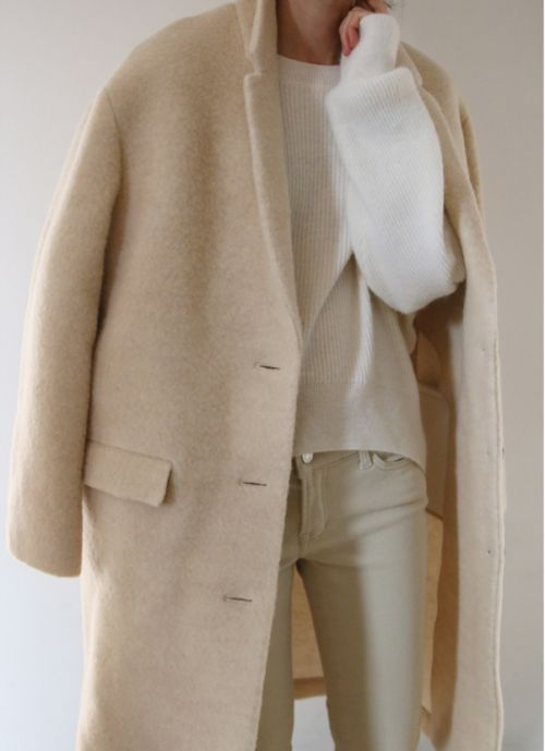Long cream coat and white sweater, fall/winter outfit