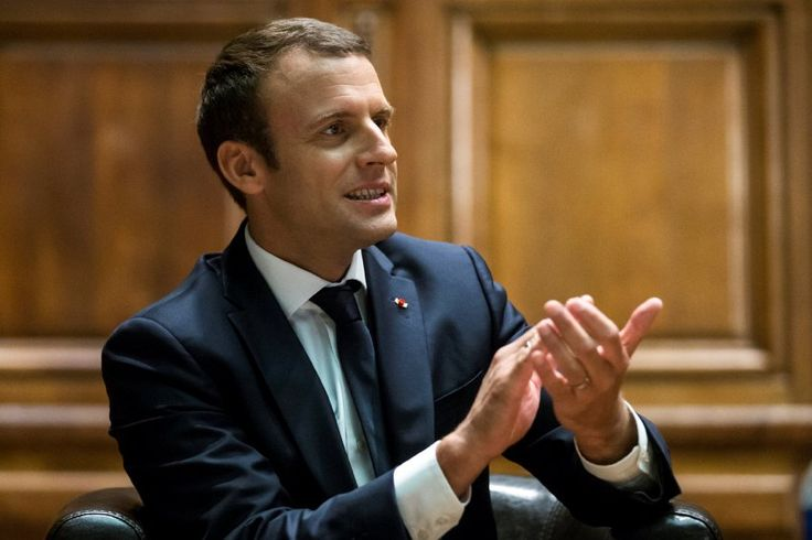 Der französische Staatspräsident Emmanuel Macronspricht heutevor Abgeordneten und Senatoren zur Nation- im Schloss Versailles. Ort und Art der Ansprachesind in Frankreich äußerst selten. Die Live-News.