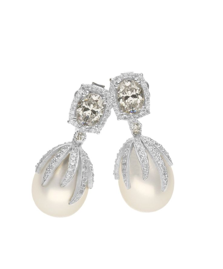 #JennaClifford - Mastercrafted white gold and pearl drop earrings - LOVE! Payton Earrings – Jenna Clifford