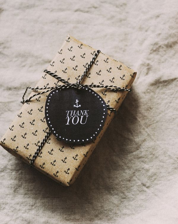 FREEBIES: ANCHOR GIFT TAGS & WRAPPING PAPER