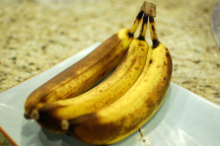 Banana Cake (Entenmann's Old Banana Cake Copycat Recipe) | The 350 Degree Oven
