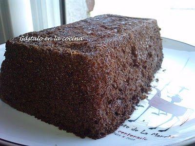 Bizcocho chocolate y nueces en microondas