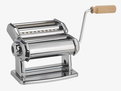 Pasta-making machine with detachable handle and clamp. Makes 6 different thickness of pasta. It is made entirely of stainless steel and is easy to take apart and wash.