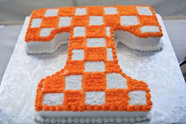 University of Tennessee groom's cake. I like this idea but instead the cake be Auburn:)