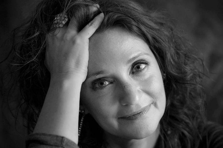 Ser escritora no país da austeridade, por Ana Margarida de Carvalho | Manifesto 74