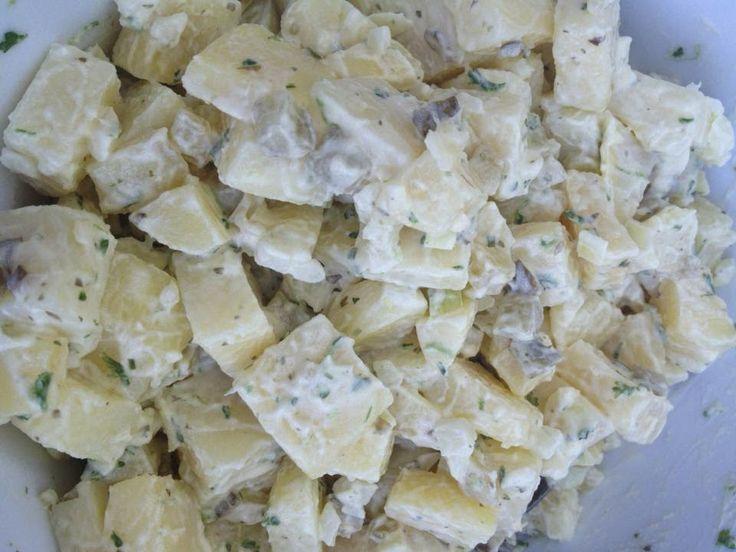 Aardappelsalade, simpel gemaakt maar lekkerder dan kant en klaar