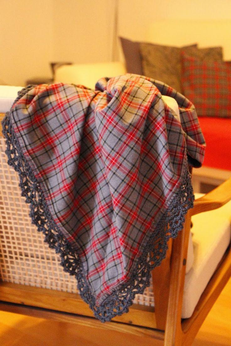 omslagdoek/deken van stof met gehaakte rand