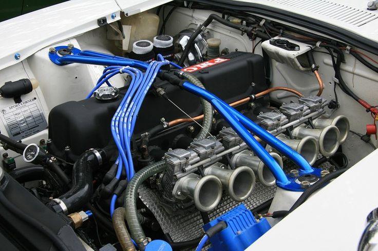 Datsun 240Z G-nose FCR 41 carbs