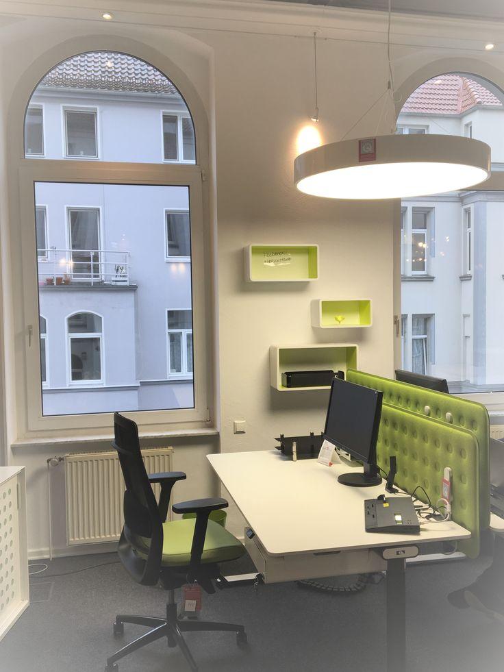 #Ergonomie und #Akustik kombiniert in kleinem #Arbeitsplatz, #Bürostuhl, #Schreibtisch, #design