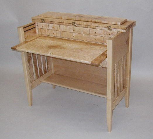 Custom Designed Quilted Maple Fly Tying Desk Oustanding