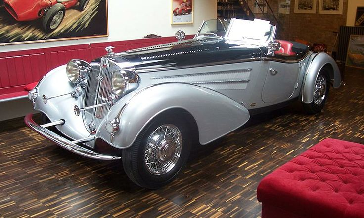 Horch 855 Spezial Roadster missing from Viktor Yanukovych Mezhyhirya collection of Russian military cars and sedans in Ukraine - Autoweek