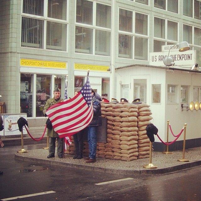 Checkpoint Charlie, Berlin | Flickr – Condivisione di foto!