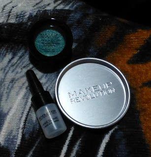 "Makeup Revolution Awesome Metals Eye Foils in ""Emerald Goddess"""