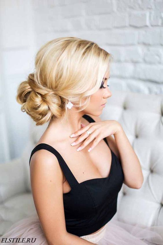 Killer Swept-Back Wedding Hairstyles ❤ If you are not sure which hairstyle to choose, see our collection of swept-back wedding hairstyles and you will find gorgeous and fancy looks! See more: http://www.weddingforward.com/swept-back-wedding-hairstyles/ #weddings #hairstyl