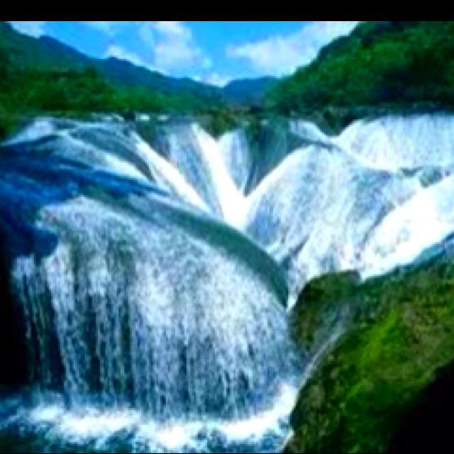The Pearl Waterfall Jiuzhaigou Valley, China