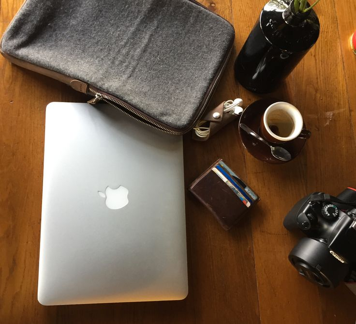 Il set regalo per il meeting perfetto, per dare ordine ed eleganza alle vostre riunioni! #giftset #laptop #case #cardholer #portacarte #portapc