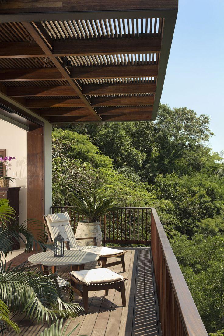 Casa SJA I by CDM Arquitectos Balcony design
