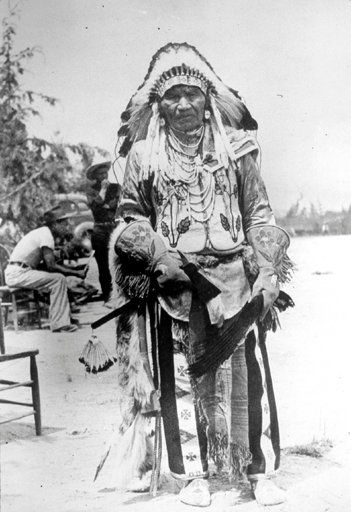 nezperce hispanic singles Nez perce tribe information nez perce baby in cradleboard, 1911 their name for themselves is nimíipuu (pronounced ), meaning, the people, in their language, part of the sahaptin family[4] nez percé is an exonym given by french canadian fur traders who visited the area regularly in the late 18th.
