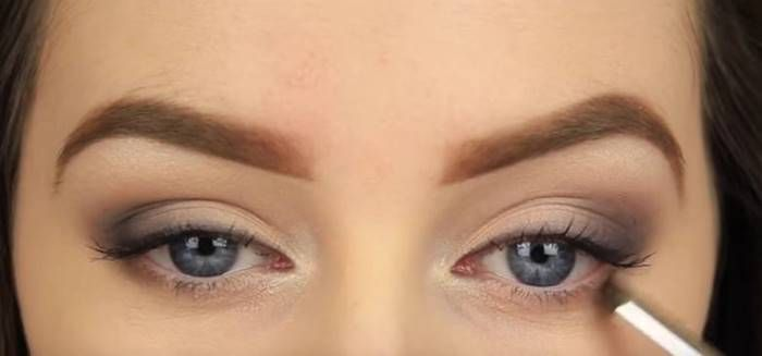 Eye shadow is a wonderful way to highlight your eyes. Do you like smokey eye…