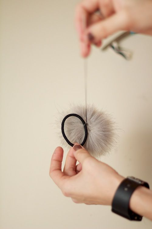 diy faux fur pom pom ponytail holder