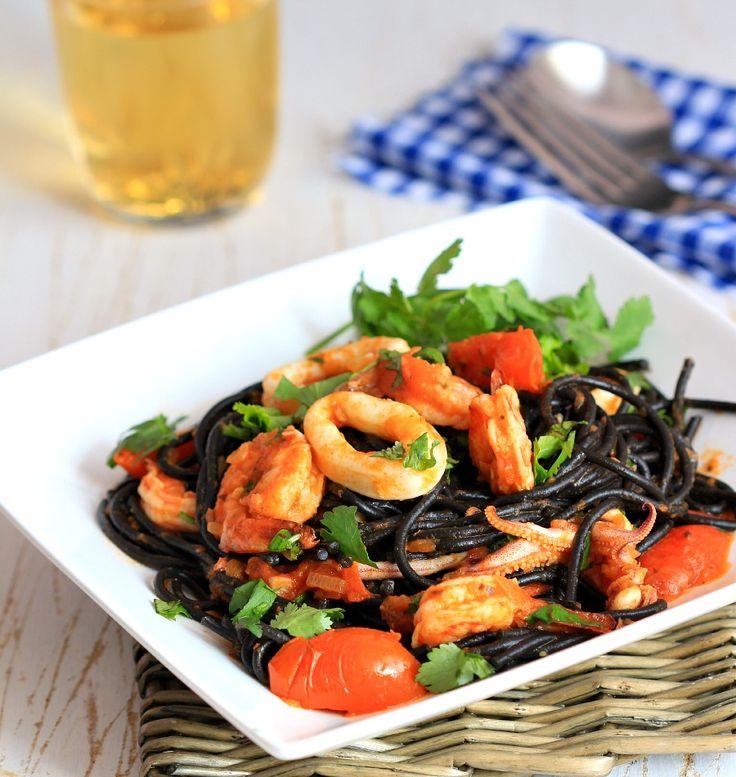 my bare cupboard: Seafood squid ink spaghetti
