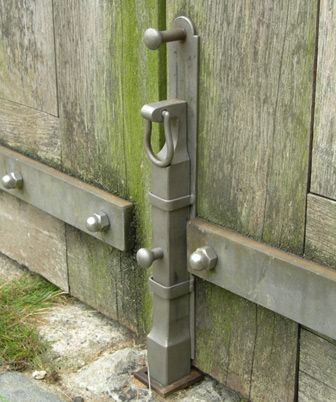 185 best images about gravel driveways and driveway gates for Driveway gate lock