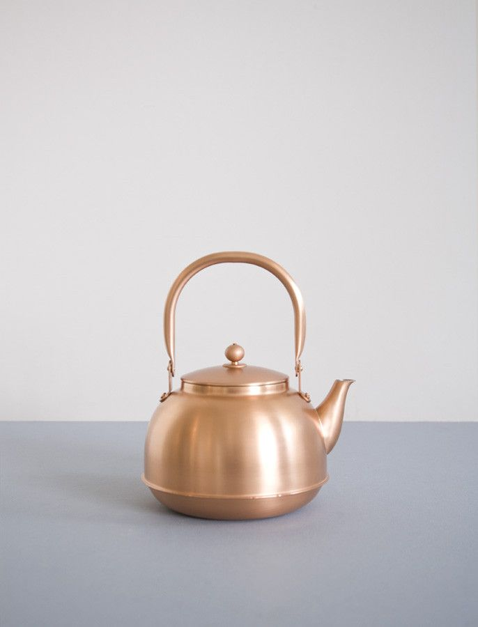 Japanese Copper KettleCopper Kitchens Decor, Home Accessories, Copper Kettle, Copper Teapot, Japanese Copper, Bright Copper, Beautiful Japanese, Tea Kettles, Japanese Teapots