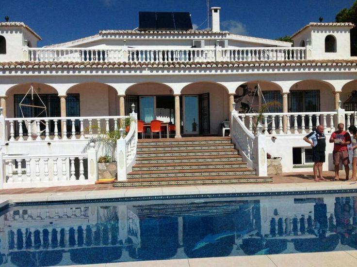 Villa en primera linea de playa en Mijas, Málaga (España)