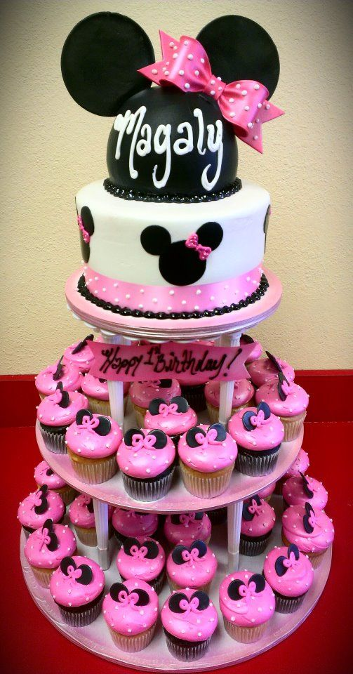 Minnie Mouse hat cake and cupcakes tower by maryscakeshop.com
