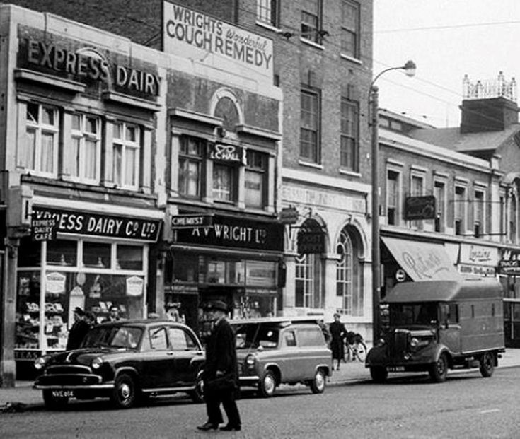 The express dairy and the post office on Hammersmith Broadway in 1959