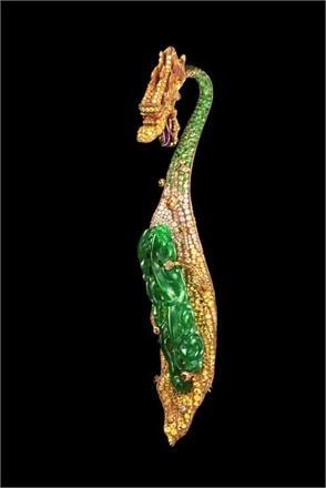 Dragon Brooch | by Wallace Chan | via vogue.it