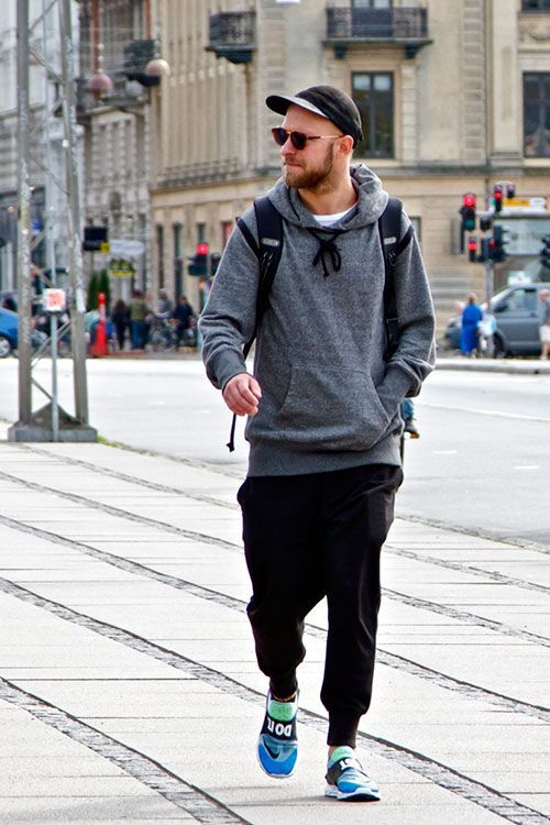 2015-05-04のファッションスナップ。着用アイテム・キーワードはキャップ, サングラス, スウェットパンツ, スニーカー, パーカー,Nike(ナイキ)etc. 理想の着こなし・コーディネートがきっとここに。| No:105082