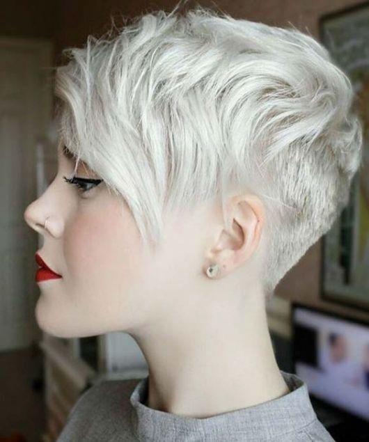 cabelo curto desfiado